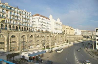 HÉRITAGE DE L'ARCHITECTURE COLONIALE : ATOUT OU FARDEAU POUR LA SOCIÉTÉ ALGÉRIENNE D'AUJOURD'HUI