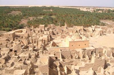 Sentinelles du « Désert des Tartares » ? Le rôle des fortifications au Sahara algérien depuis le XIXème siècle